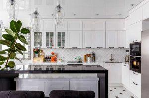 Fehér Vintage konyha - Cornerstone konyhabútor szigettel - Cliff konyhák Sopron