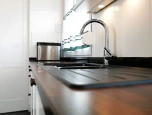 U alakú konyha - fehér vintage konyha - Cliff konyhabútor 2