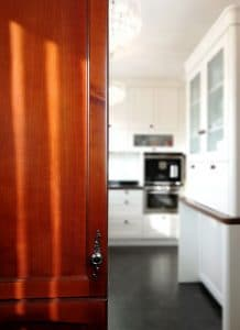 U alakú konyha - barna ajtó - vintage konyha - Cliff konyhabútor 12