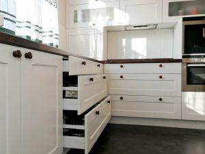 U alakú konyha - fehér vintage konyha - Cliff konyhabútor 8