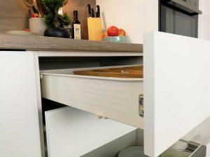 Modern L alakú konyha - fehér Palace konyha - Cliff konyhabútor 23
