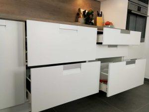 Modern L alakú konyha - fehér Palace konyha - Cliff konyhabútor 24