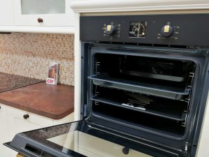 Egyedi konyha - fehér vintage konyha sütő - Cliff konyhabútor 14