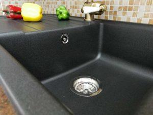 Egyedi konyha - vintage konyha fekete mosogatótálca és csaptelep - Cliff konyhabútor 24