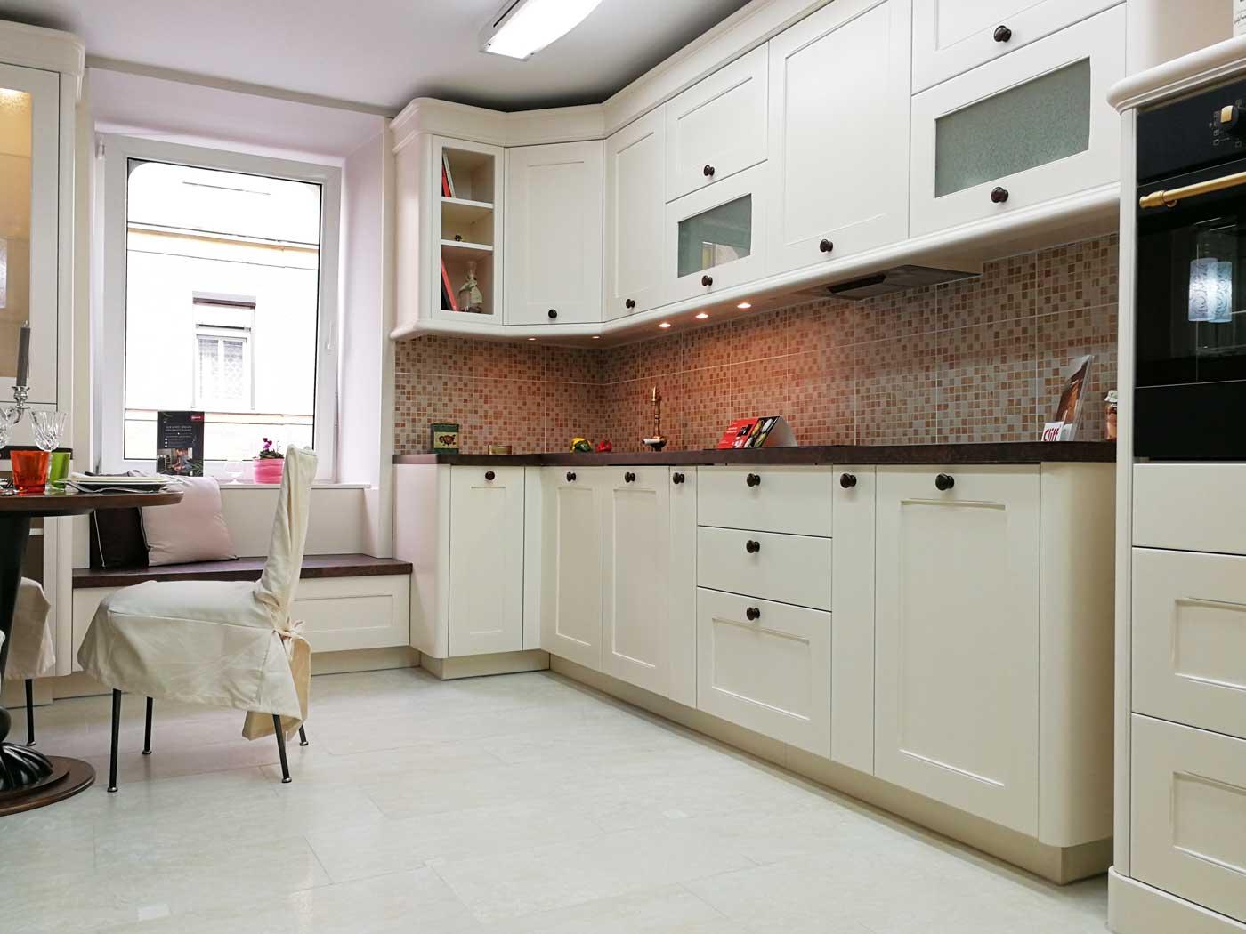 Egyedi konyha - fehér vintage konyha design - Cliff konyhabútor 1