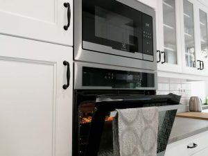 Vidéki stílusú konyha sütővel - König konyha - Cliff konyhabútor 29