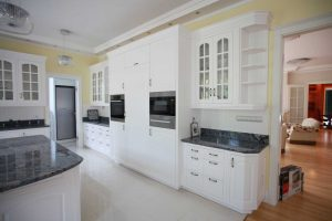 Amerikai konyha - Fehér vintage konyha - Cliff konyhabútor 1