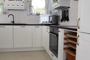 Fehér konyhabútor - vintage konyha képek - Cliff konyhák 21