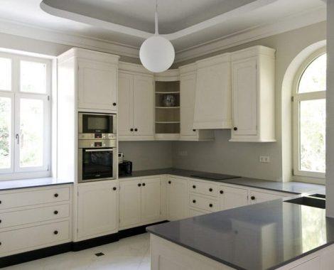 Fehér Vintage konyha - Shalem konyhabútor U alakban - Cliff konyhák Sopron