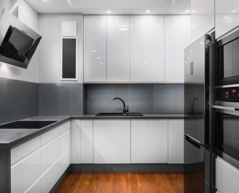 Modern konyhabútor fekete-fehér
